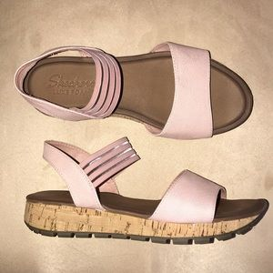 Sketchers Luxe Foam Light Pink Sandals